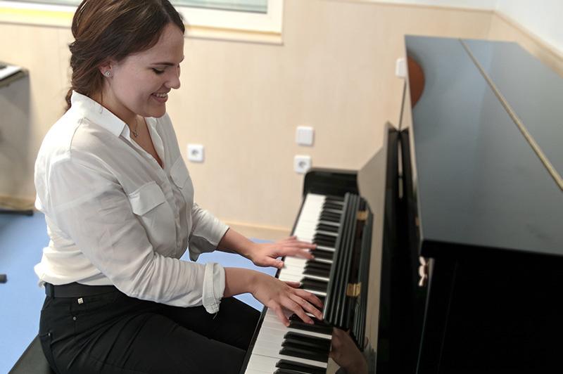 Katia Toukalo - Profesora de piano Escuela de Música Alarcón
